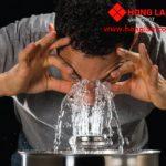 Mối nguy hại từ Bồn rửa mắt không được bảo trì
